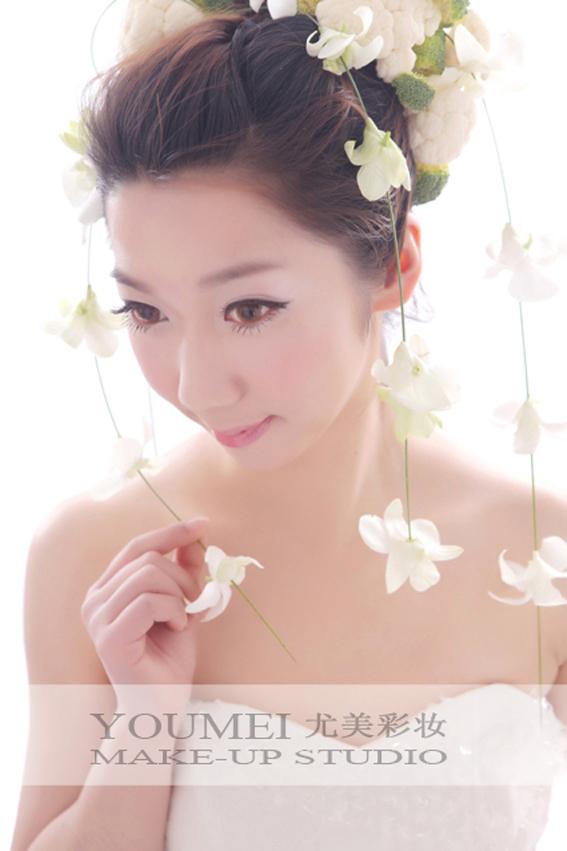 2013最新新娘可爱鲜花造型(2)_妆面赏析_影楼化妆_网