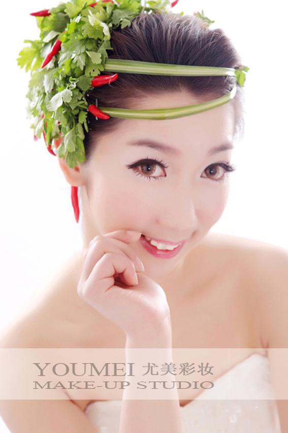 2013最新新娘可爱鲜花造型(4)_妆面赏析_影楼化妆_网