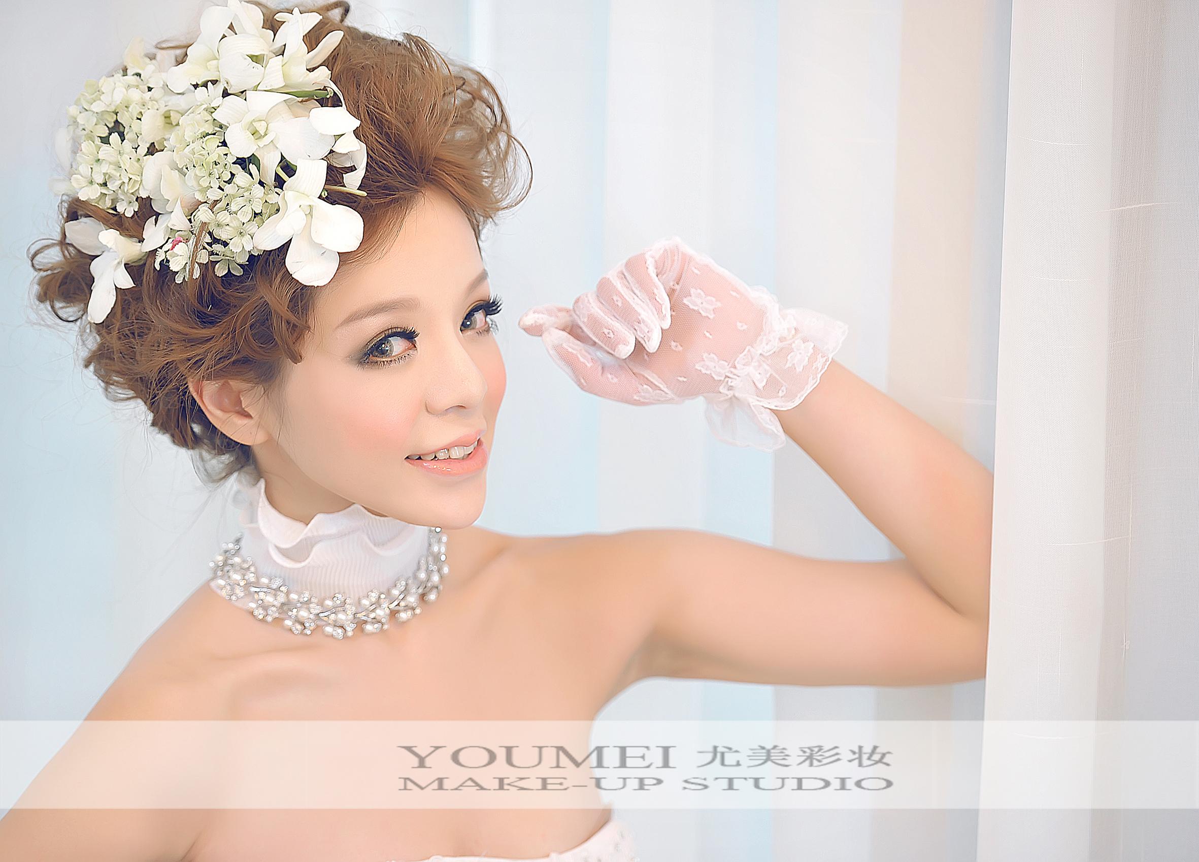 2013最新新娘可爱鲜花造型(7)