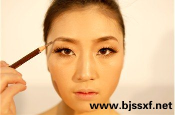唯美新娘妆面造型的化妆步骤