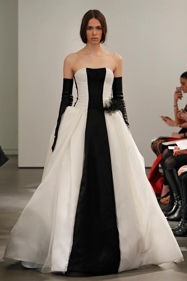 vera wang发布2014春夏系列婚纱 黑白对比强烈 (9)