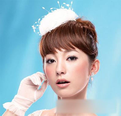 唯美新娘发型 打造清新稚嫩新娘_妆面赏析_影楼化妆