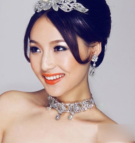 清新自然的韩式新娘妆化妆技巧图片