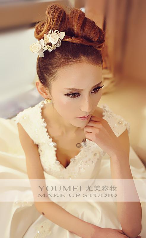 2013最新新娘造型 浪漫甜美_妆面赏析_影楼化妆_黑光