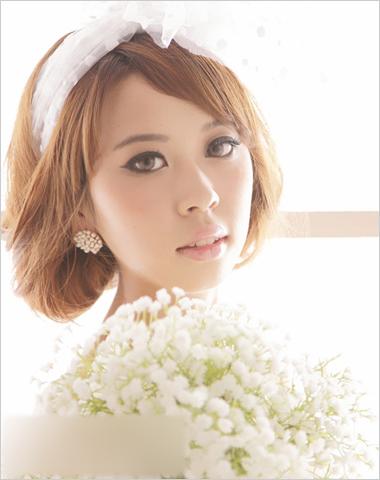 夏日清新新娘发型 精致盘发浪漫脱俗