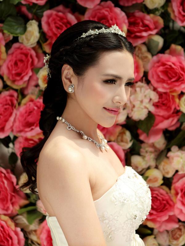 曲阜一休婚纱摄影打造2013新娘长发造型 打造唯美浪漫