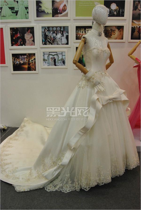 婚纱模型模特手绘图