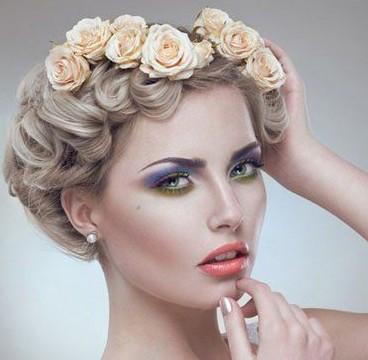 五款最流行的高贵典雅的新娘发型