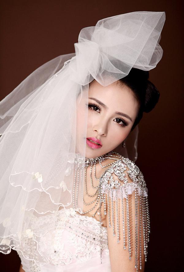 新娘白纱裙造型图片_2013新娘白纱造型图片_2013新娘白纱造型图片下载