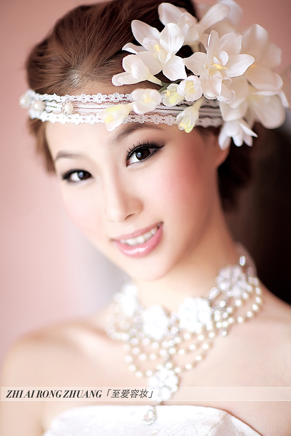 影楼新娘妆视频_2013最新新娘造型 美到骨子里_妆面赏析_影楼化妆_黑光网