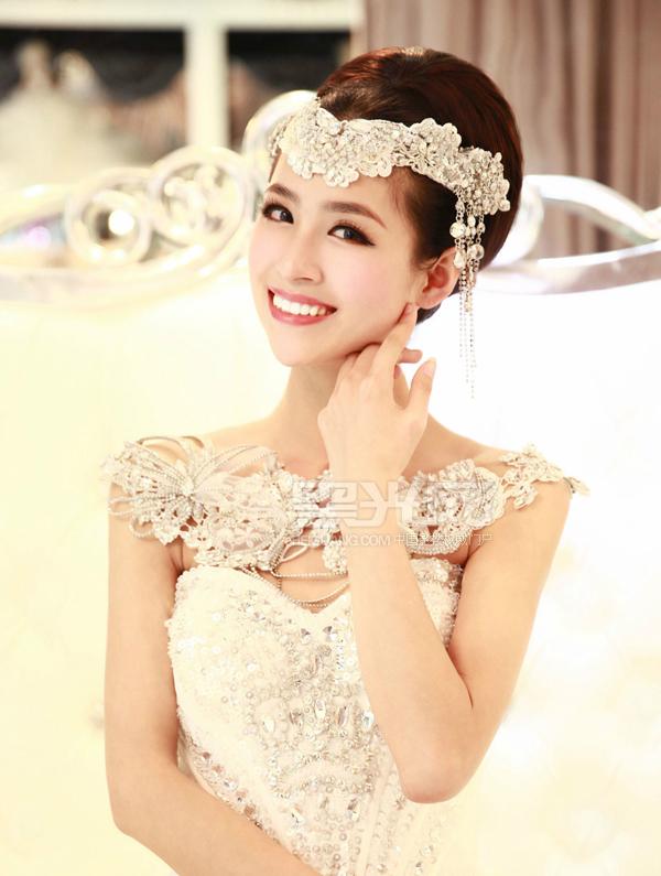 复古新娘造型 展现古典优雅风格_妆面赏析_影楼化妆