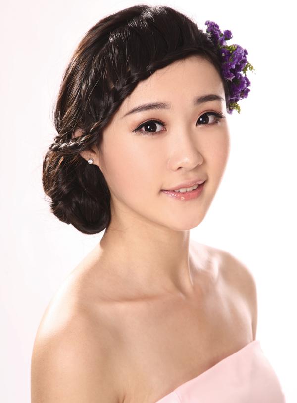 2013新娘鲜花造型步骤详解 打造夏日美新娘