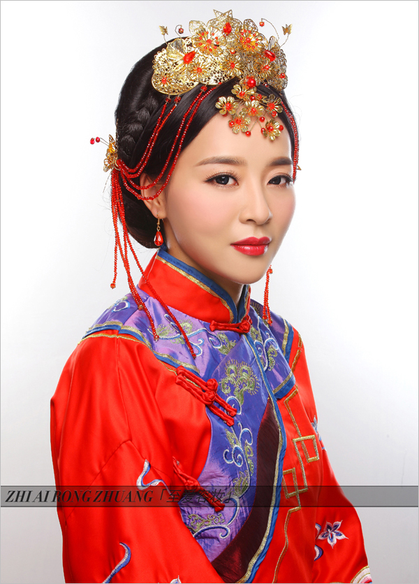 > 秀禾服新娘造型图片_龙凤褂新娘造型   那一款复古的中式新娘发型就图片