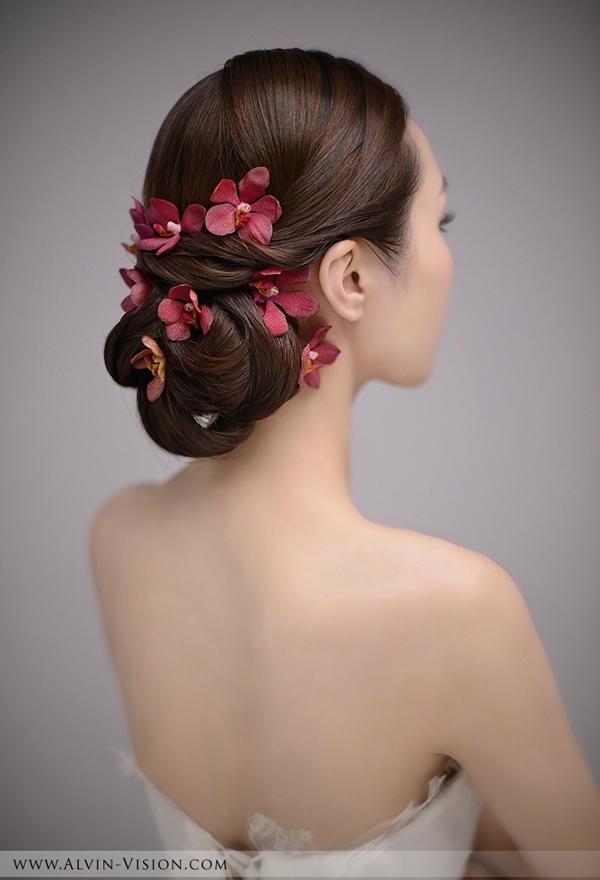 时尚简约新娘鲜花造型(2)_妆面赏析_影楼化妆_黑光网图片