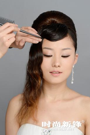 高贵端庄新娘造型 赫本盘发发型步骤_化妆教程_影楼