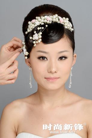 高贵端庄新娘造型 赫本盘发发型步骤