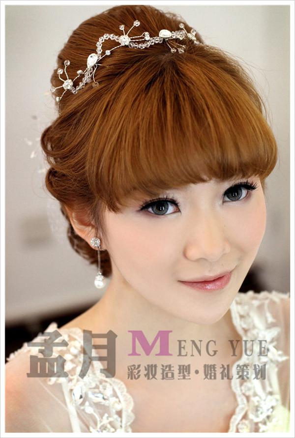 2013韩式新娘盘发造型 打造温婉小女人图片