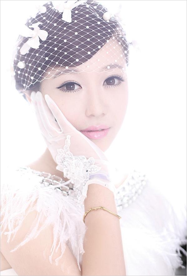 质地,风格,选择一款能与头纱相协调的新娘发型,也是想做最完美新娘的图片