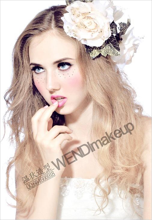 清新甜美欧式新娘の雀斑萝莉妆图片