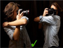 最新影楼资讯新闻-如何正确手持相机,拍出清晰照片
