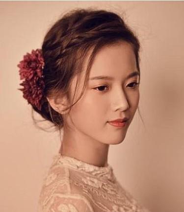 秋季婚礼新娘发型推荐 做一个美丽精致新娘图片