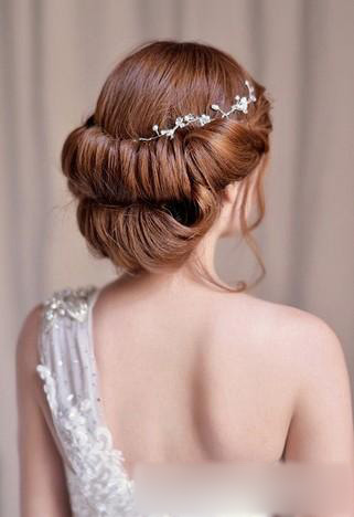 2013最新韩式新娘发型设计 简单盘发显优雅气质图片