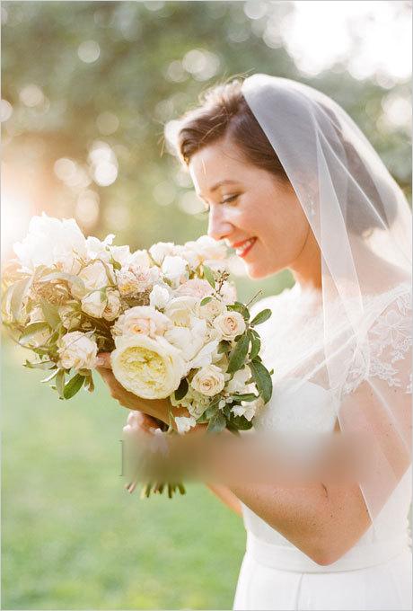 新娘头饰继续上演 让新娘拥有赫本式的优雅图片