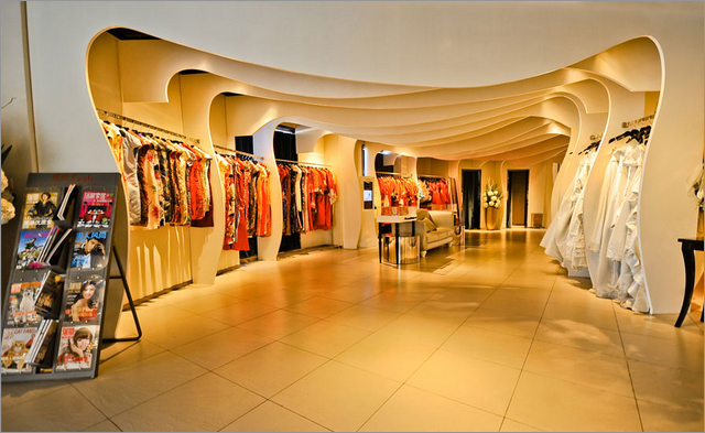 八月照相馆--国际婚纱造型馆