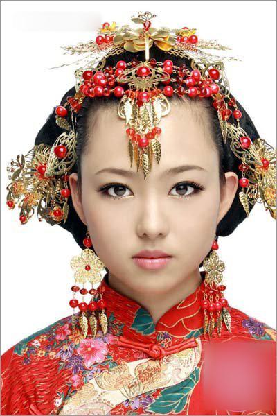 中式凤冠头饰新娘造型 恋上中国风_妆面赏析_影楼化妆