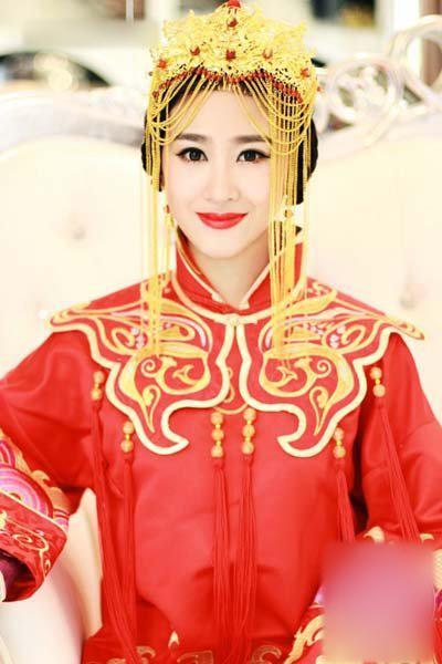 中式凤冠头饰新娘造型 恋上中国风