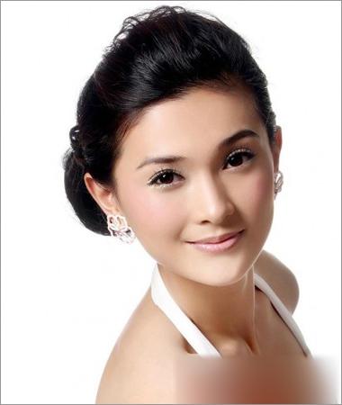 韩式新娘盘发发型 展现优雅女神气质(5)