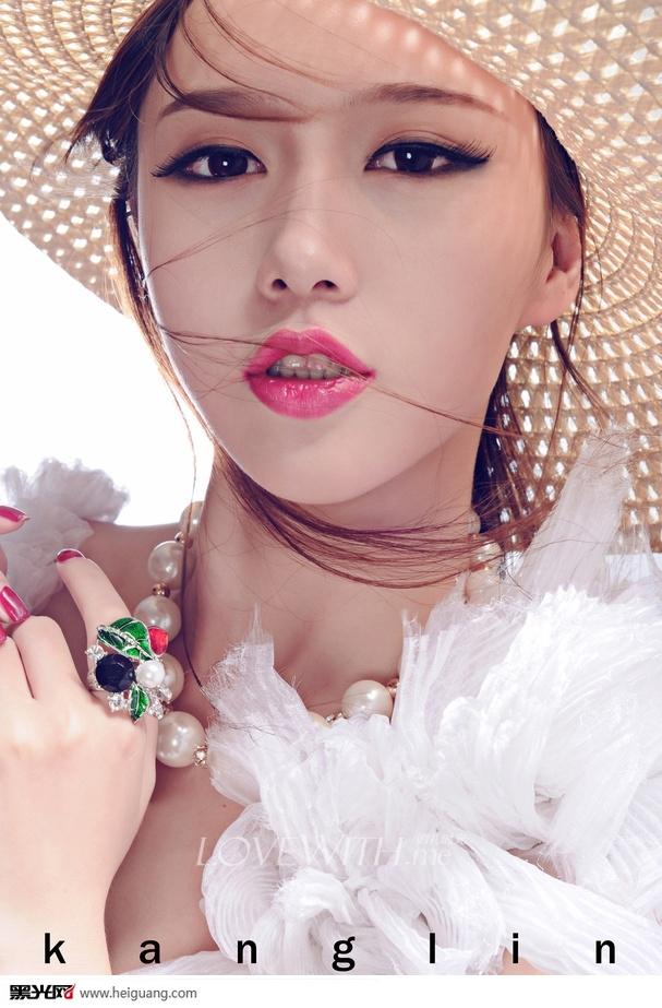 海滩婚纱造型_化妆造型_黑光图库_黑光网