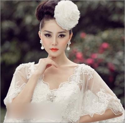 漂亮发饰点缀新娘发型 塑造完美新娘_妆面赏析_影楼