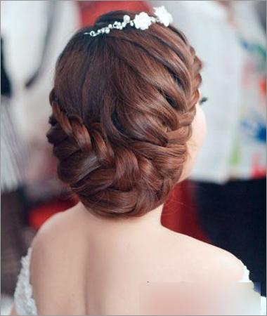 8款韩式新娘编发发型 彰显温婉大方的高雅气质