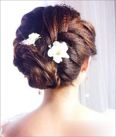 8款韩式发型彰显丸子+编发大方温婉的高雅气给小学生梳新娘头图片