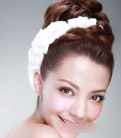 【化妆知识】韩式精致新娘妆 做童话里的公主图片