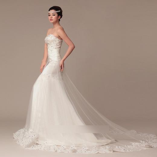 最新婚纱照新娘造型