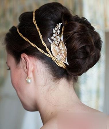 2013复古风新娘盘发 展现新娘优雅气质形象