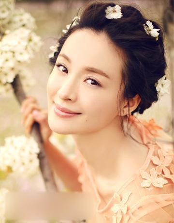 冬季流行新娘发型 气质盘发打造温婉女人图片