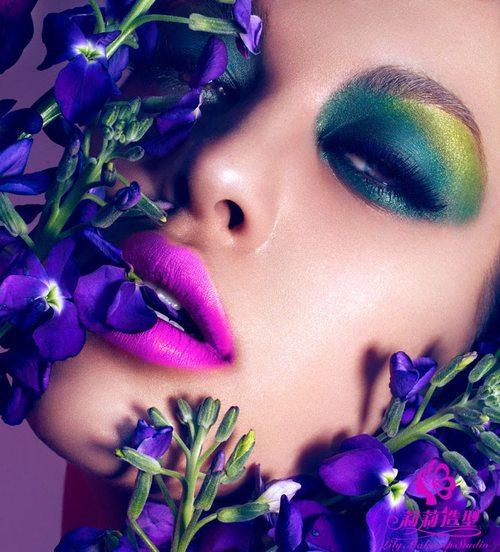 时尚彩妆 演绎线条流动感图片