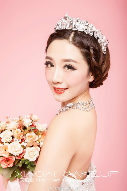 甜美粉色新娘造型 打造专属你的浪漫情怀