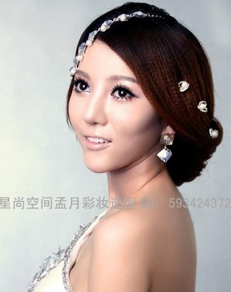 2013新娘发型推荐 打造楚楚动人的时尚感图片