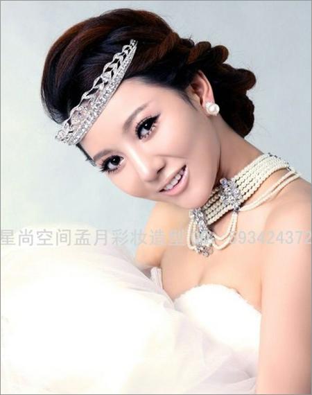 2013新娘发型推荐 打造楚楚动人的时尚感(5)
