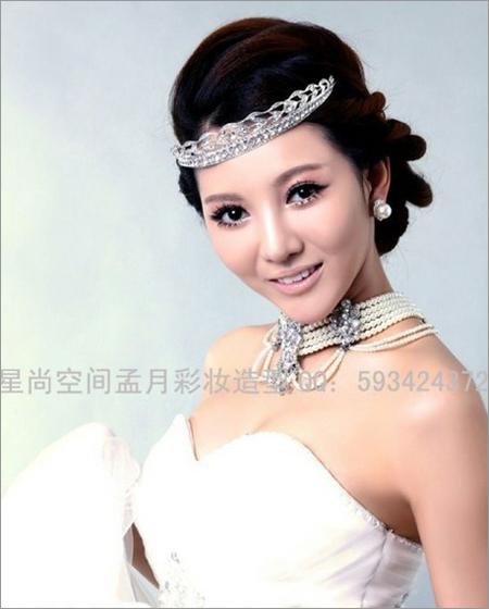 2013新娘发型推荐 打造楚楚动人的时尚感(2)