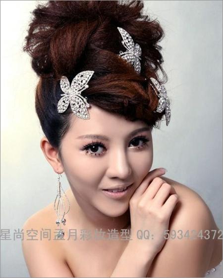 2013新娘发型推荐 打造楚楚动人的时尚感(4)