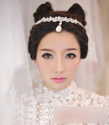 这款韩式新娘发型