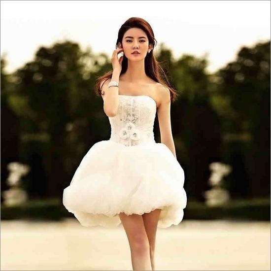 新娘短款婚纱造型 打造俏皮可爱形象_妆面赏析_影楼