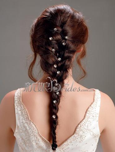 9款新娘发型推荐 成就完美新娘