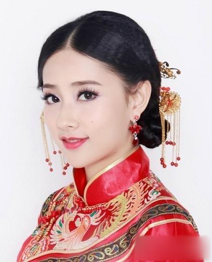 传统中式新娘造型 别有一番滋味