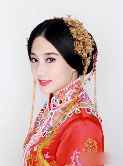 传统中式新娘造型 别有一番滋味图片